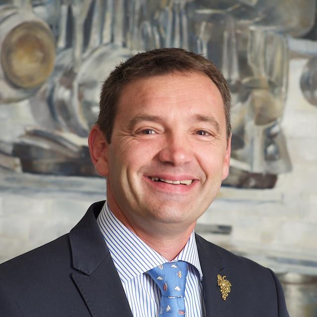 François, Maître d'hôtel, chef sommelier
